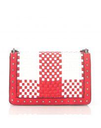 Дамска чанта в червено с ефект преплетена кожа и метални капси - код 92083
