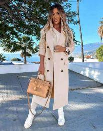 Дълго дамско палто с копчета в бежово - код 3854