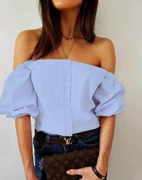 Екстравагантна дамска риза с паднали рамене в светлосиньо - код 3525