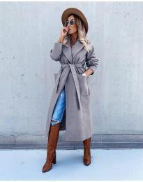Дълго елегантно дамско палто с колан в сиво - код 5877