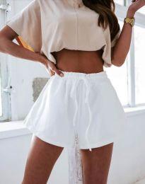 Атрактивни къси панталони в бяло - код 2614