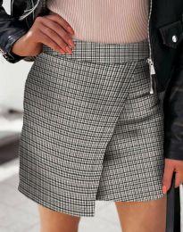 Къса атрактивна дамска пола с прехлупване в сиво каре - код 2544 - 1