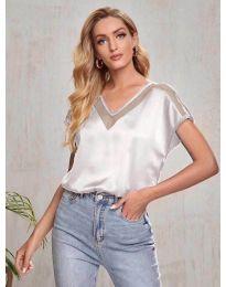 Атрактивна свободна дамска тениска в светлосиво - код 5754