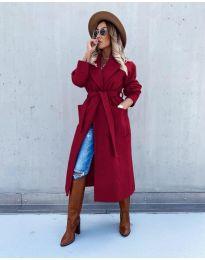 Дълго елегантно дамско палто с колан в цвят бордо - код 5877