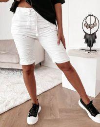 Къси панталонки в бяло - код 8256